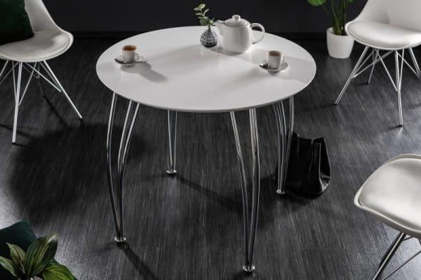 7 -- jedálenský stôl v modernom štýle