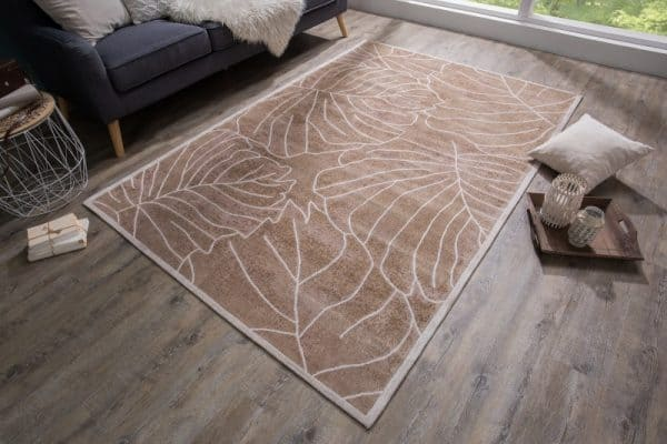 Hnedý koberec