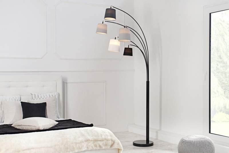cierno-siva-stojanova-lampa