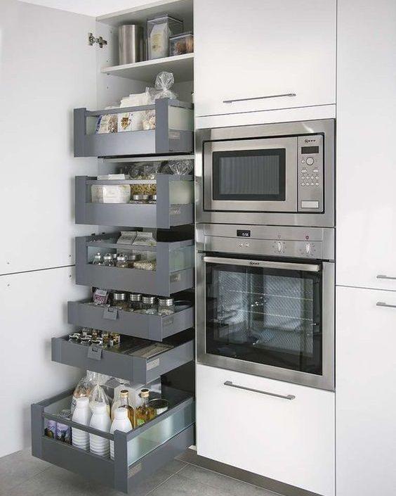 11. šuflíkový priestor v kuchyni