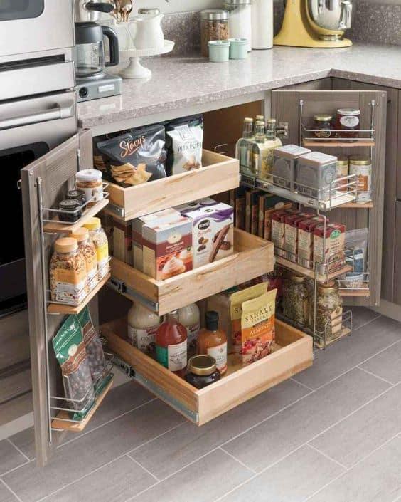 9. úložný priestor v kuchynskej linke