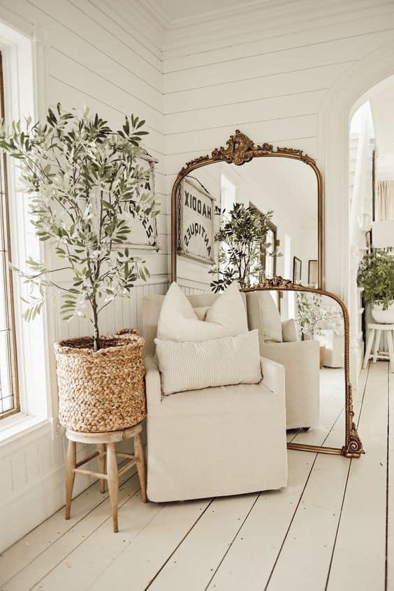 6 dôvodov, prečo jedno zrkadlo v domácnosti nestačí - starožitné zrkadlá