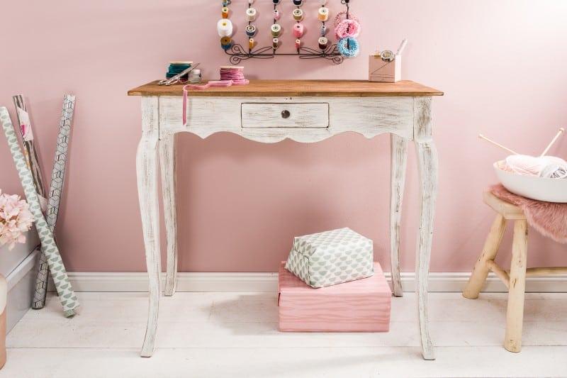 Drevené doplnky - drevený toaletný stolík