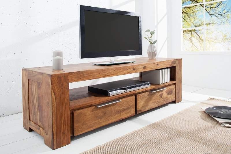 TV stolík by mal byť nielen vkusný, ale zároveň aj funkčný. Zdroj: iKuchyne.sk