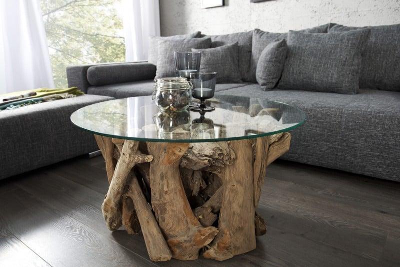 Konferenčný stolík z kusov dreva