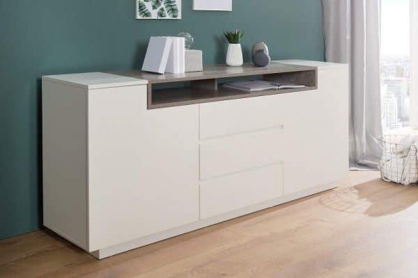 Svetlý nábytok je rovnako jedna z možností, ako dosiahnuť prirodzené svetlo. Zdroj: ikuchyne.sk