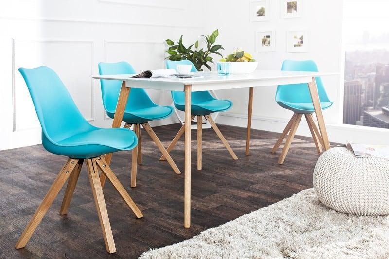 Tyrkysové jedálenske stoličky oživia vašu kuchyňu a sú dokonalou jarnou dekoráciou. Zdroj: ikuchyne.sk
