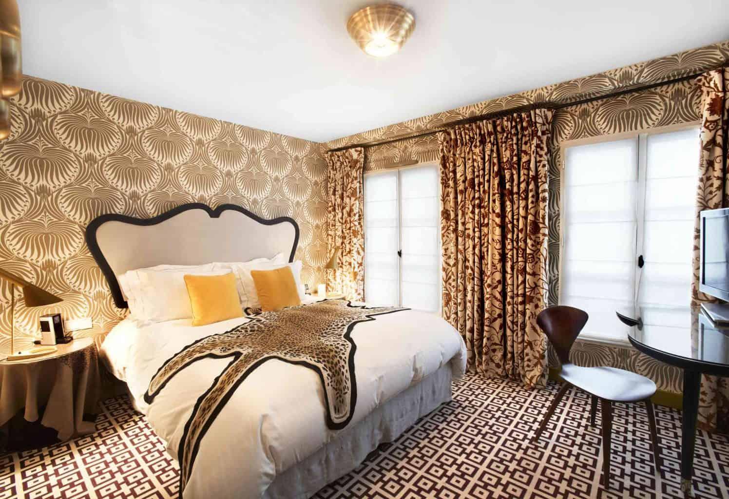 Vďaka štýlu Art Deco sa budete vo vašej spálni cítiť ako kráľovná či kráľ. Zdroj: Thespruce.com