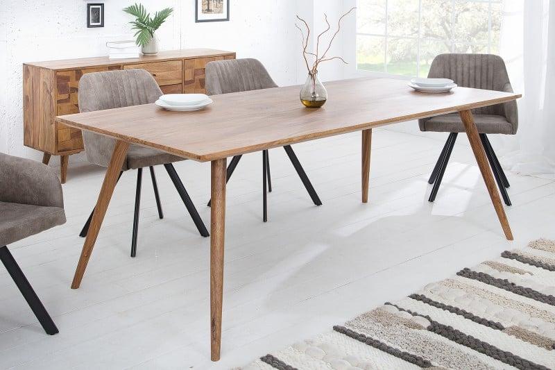 Jedáleň v škandinávskom štýle pôsobí príjemne a útulne. Súhlasíte? Zdroj: iKuchyne.sk