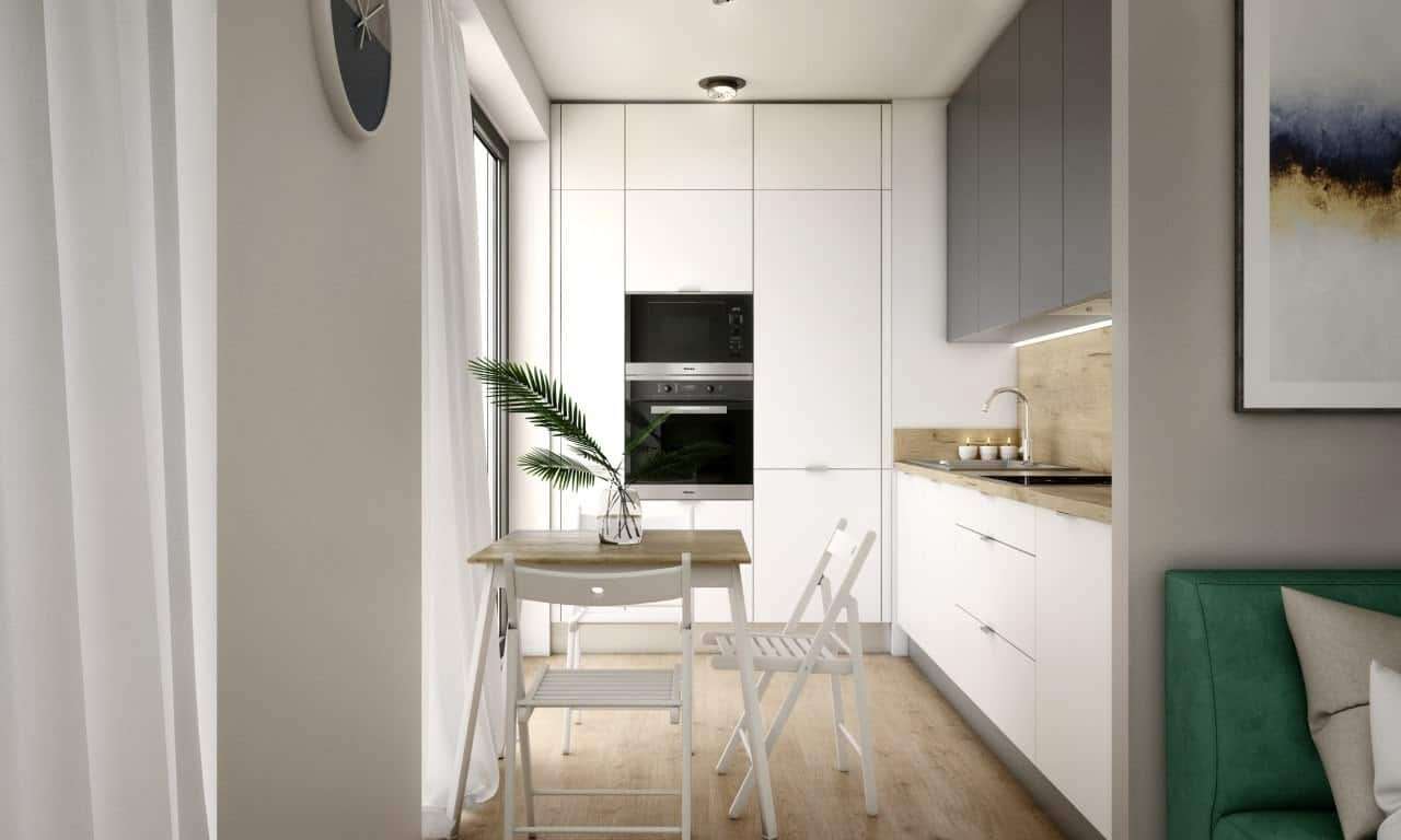Veľká kuchyňa na malom priestore - svetlé farby rozjasňujú priestor a určite sa v takej kuchyni necítite uzavreto. Zdroj: iKuchyne.sk
