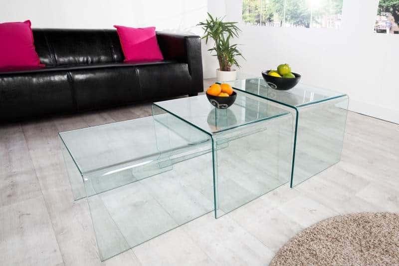 Súprava stolíkov so štýlovým skleneným dizajnom. Foto: iKuchyne.sk