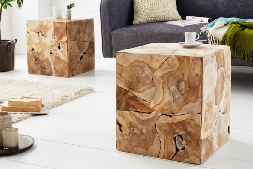 Konferenčný stolík v tvare štvorca/kocky z teakového dreva. Zdroj: iKuchyne.sk