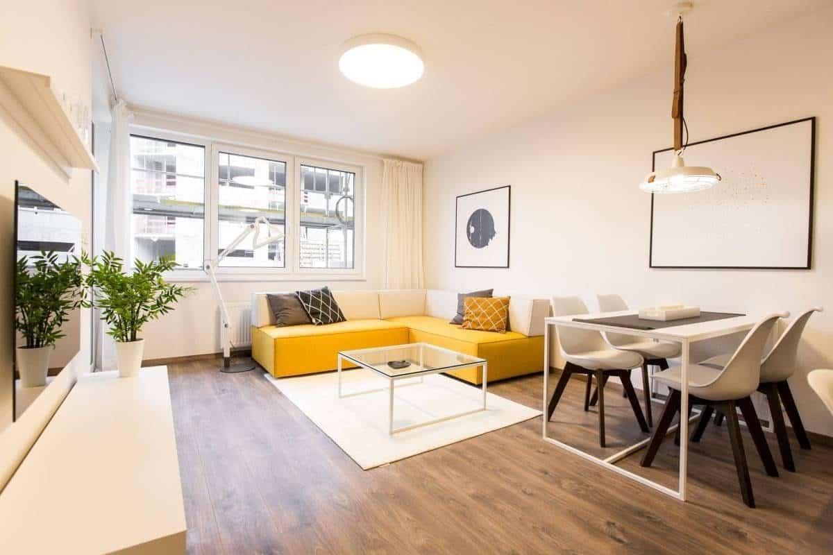 Moderná obývačka zažiari v každom odtieni. Zdroj: iKuchyne.sk