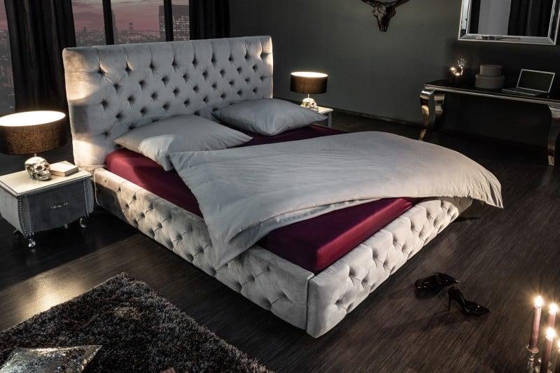 Ak milujete pocit luxusu a pohodlia, tak táto posteľ z našej ponuky je tou správnou voľbou. Zdroj: iKuchyne.sk
