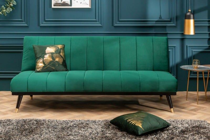 Vkusná a praktická zelená pohovka z mäkkého zamatu je ideálna pre moderný interiér. Zdroj: iKuchyne.sk