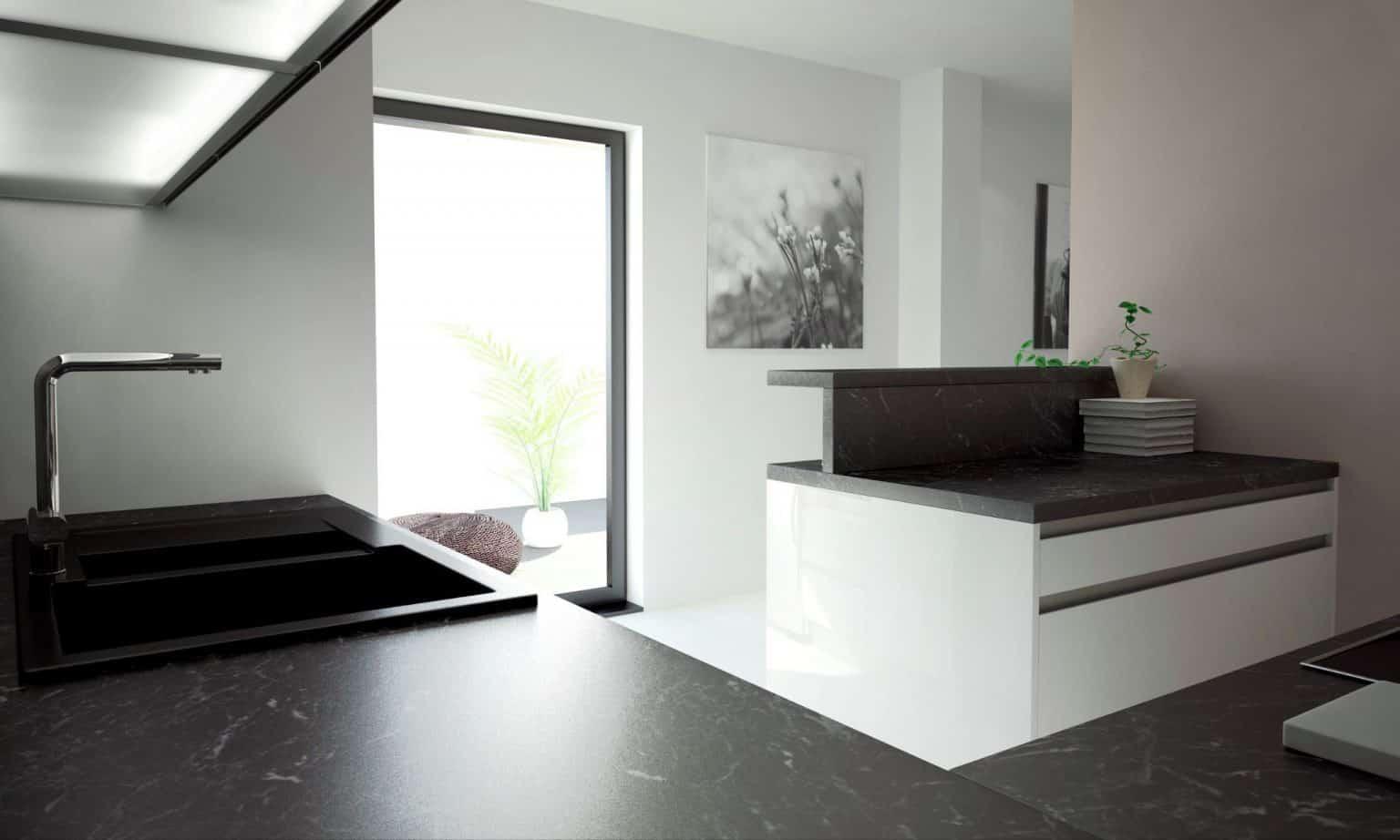 Čierna s bielou farbou vytvoria modernú kuchyňu. Zdroj: iKuchyne.sk