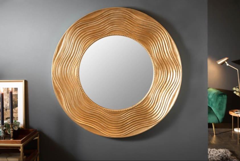 Okrúhle zrkadlo so zlatým rámom. Zdroj: iKuchyne.sk