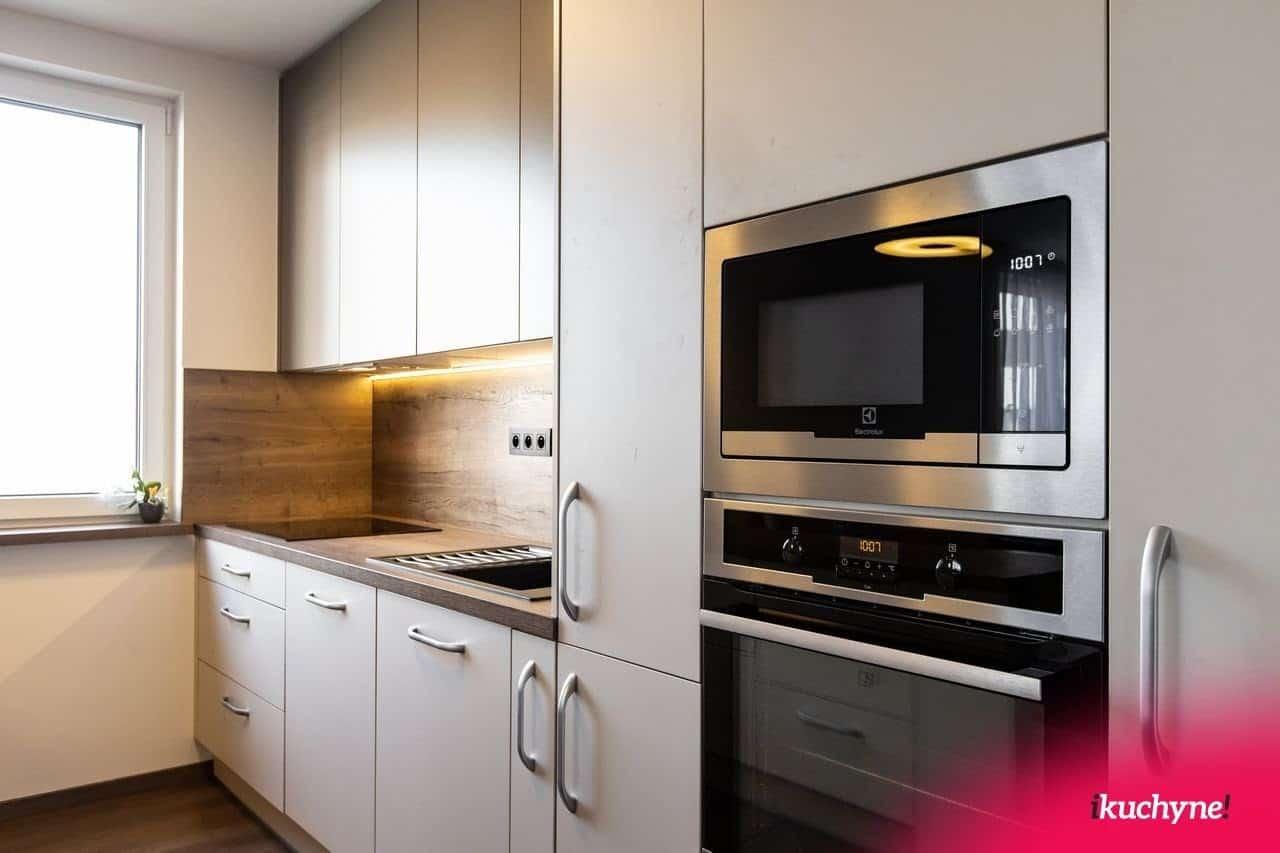 Odborníci na kuchyne na mieru vedia ako na to - vstavané elektrospotrebiče sadnú ako uliate. Zdroj: iKuchyne.sk