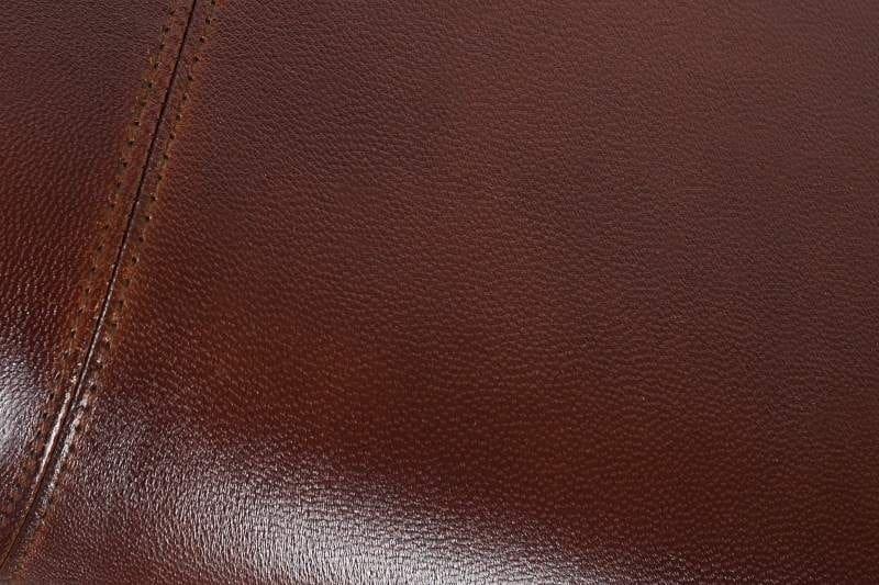 Pravá koža pre ešte luxusnejší dojem. Zdroj: iKuchyne.sk