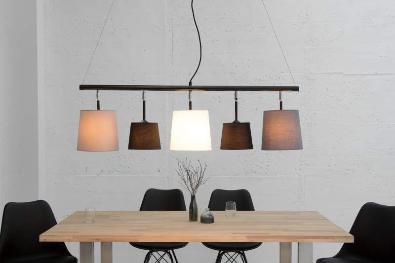 Táto lampa Levels s moderným nádychom má svoje miesto aj vo vintage štýle. Zdroj: iKuchyne.sk