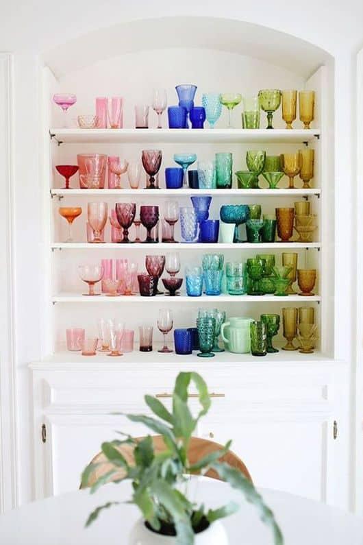 Hravé, jemné farby oživia vintage štýl a rozhodne mu neuškodia. Zdroj: Pinterest.com