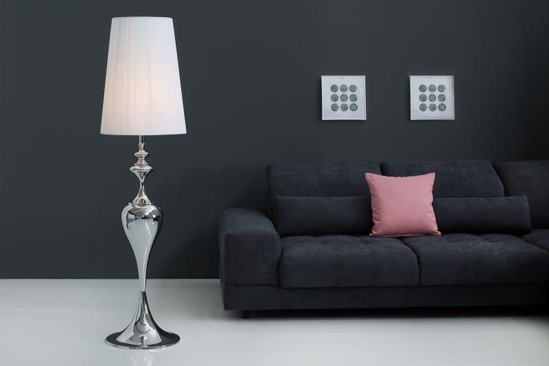 Alebo radšej stavíte na strieborné stojanové svietidlo? Zdroj: iKuchyne.sk