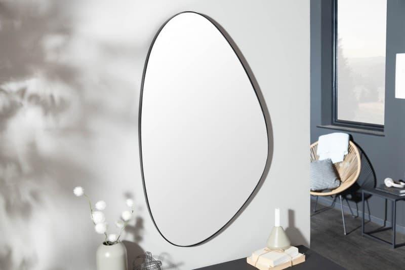 Zrkadlo Noemi v asymetrickom vzhľade zaujme na prvý pohľad. Zdroj: iKuchyne.sk