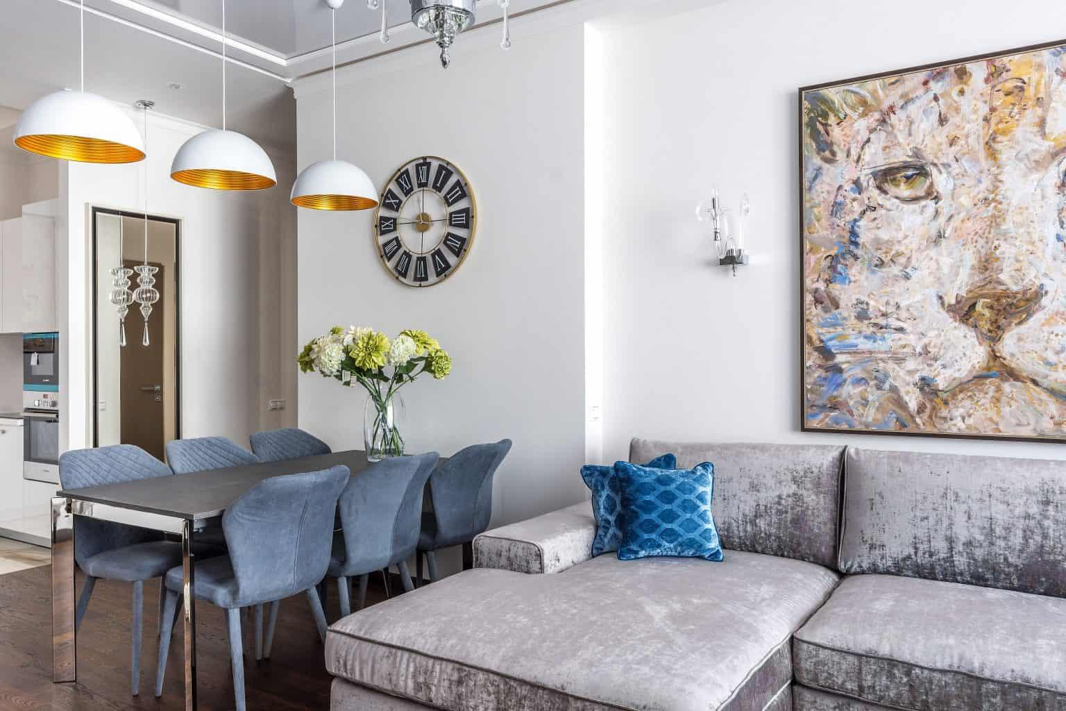 Príklad maximalizmu v bytovom dizajne. Zdroj: Pexels.com