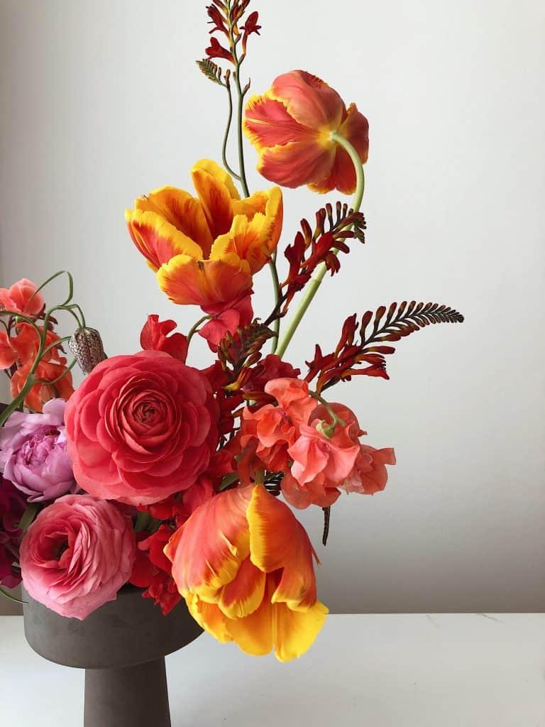 Kvety dokážu nielen oživiť priestor, ale aj zlepšiť náladu. Zdroj: Pexels.com