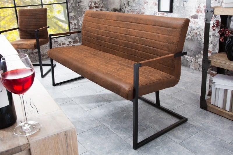 Hnedá lavica Imperial z nášho e-shopu. Zdroj: iKuchyne.sk