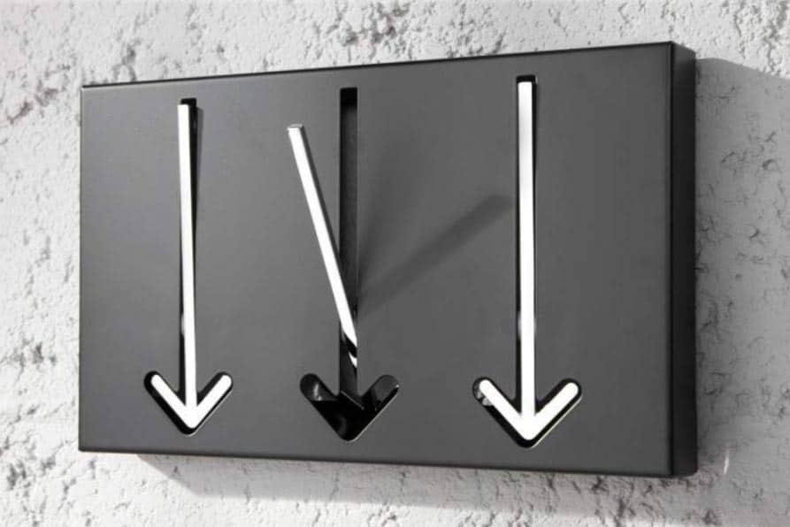 Vešiak Arrow výborne vynikne najmä v modernejšie a minimalisticky ladených priestoroch. Zdroj: iKuchyne.sk