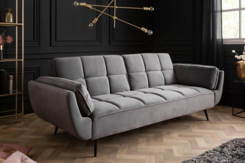 Veľká sivá pohovka – základ pre taliansky dizajn. Zdroj: iKuchyne.sk