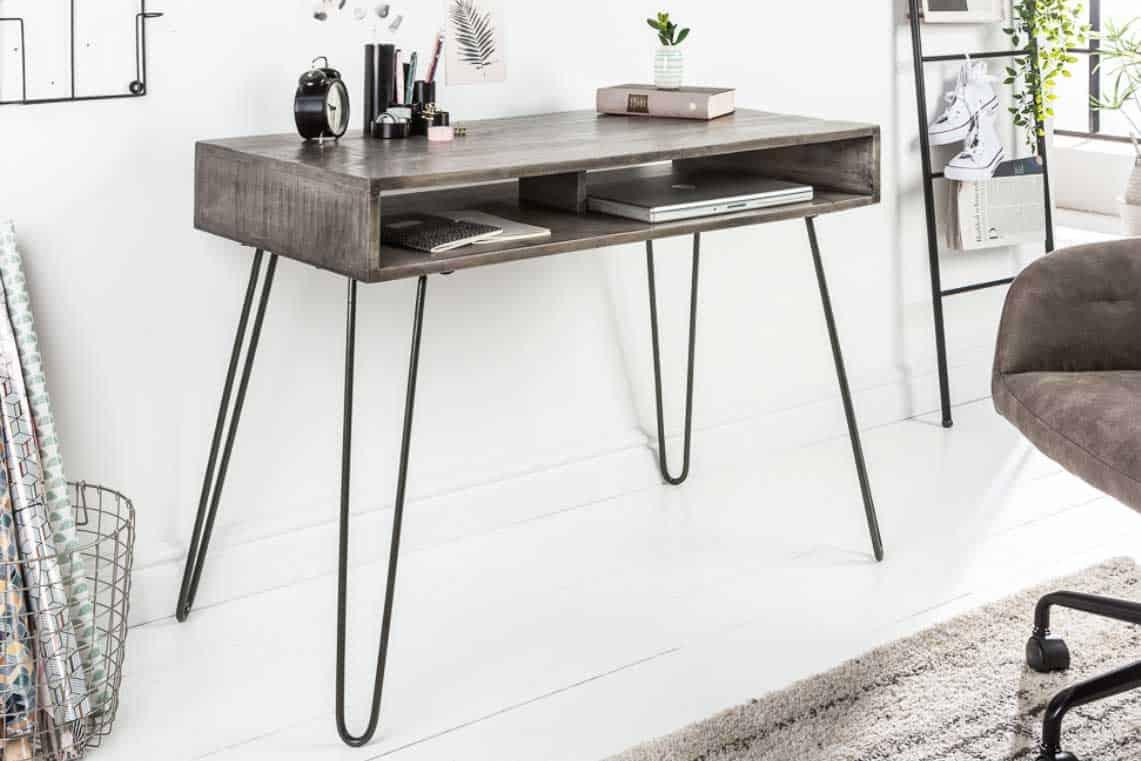Tento písací stôl je ručne vyrobený a každý kus preukáže vlastnú jedinečnosť. Zdroj: iKuchyne.sk