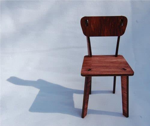 Aj nábytok z exotického dreva môže pôsobiť síce jednoducho, no štýlovo. Zdroj: Pinterest.com
