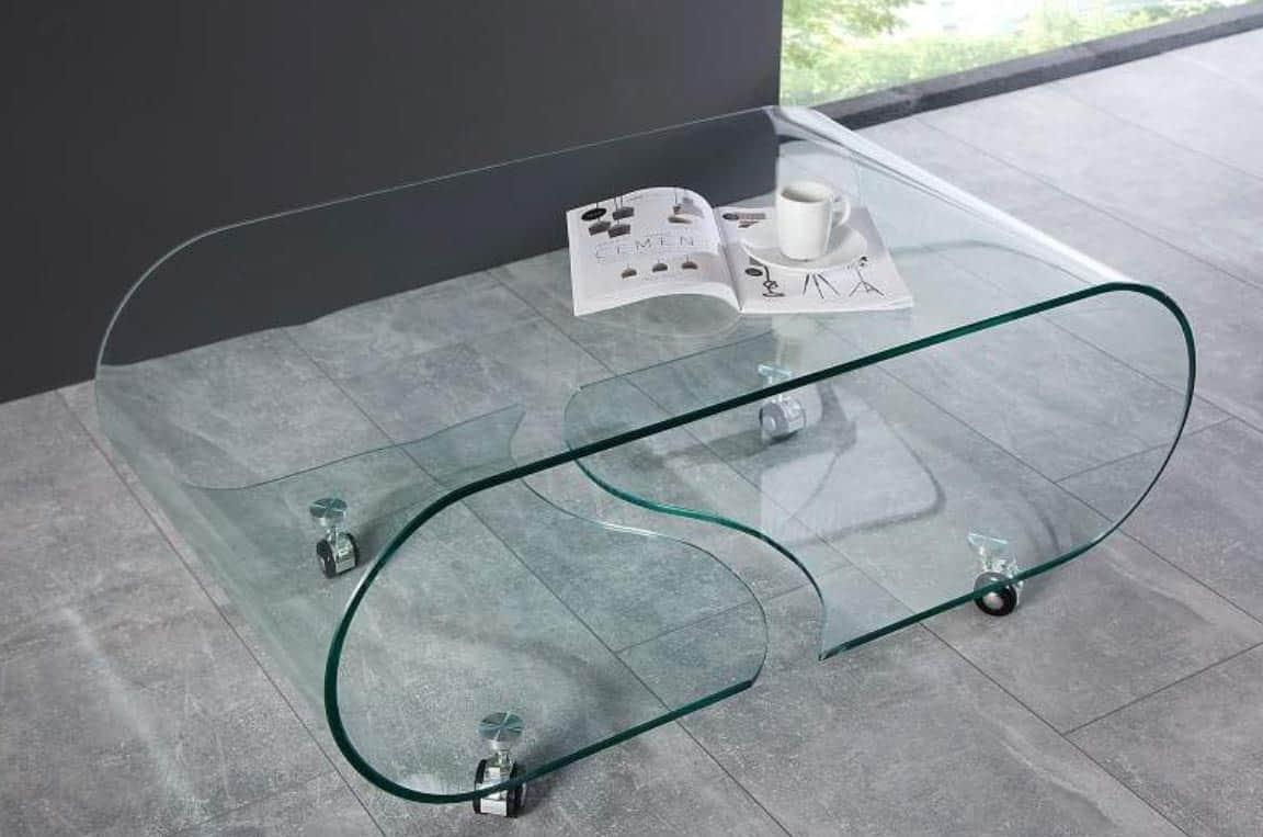 Štýlový konferenčný stolík z temperovaného skla vzbudzuje dojem luxusu. Zdroj: iKuchyne.sk