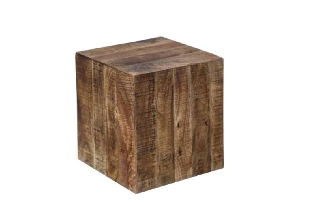 Drevený taburet dodá vášmu príbytku nádych prírody. Zdroj: iKuchyne.sk
