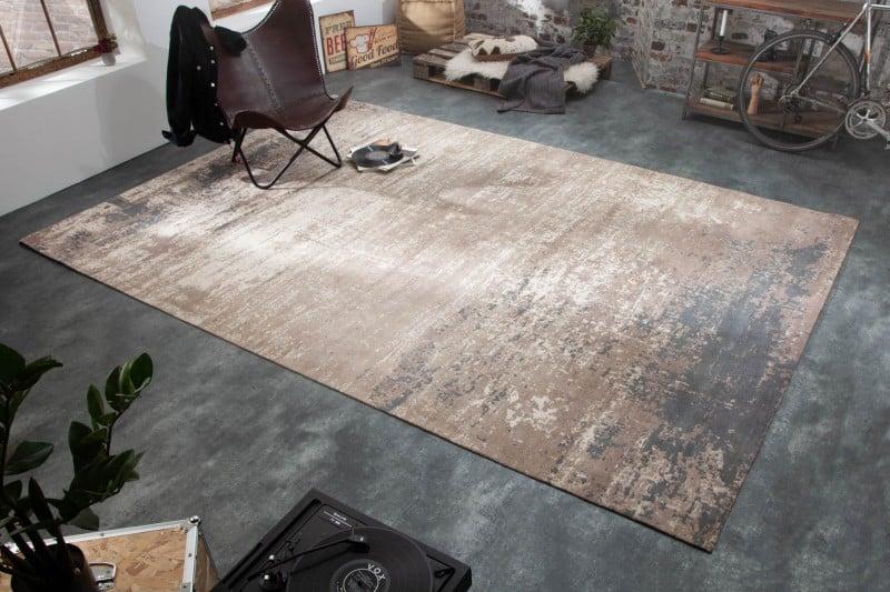 Vhodne zvolený koberec dokáže miestnosť úplne zmeniť a dodať jej ten správny šmrnc. Zdroj: iKuchyne.sk