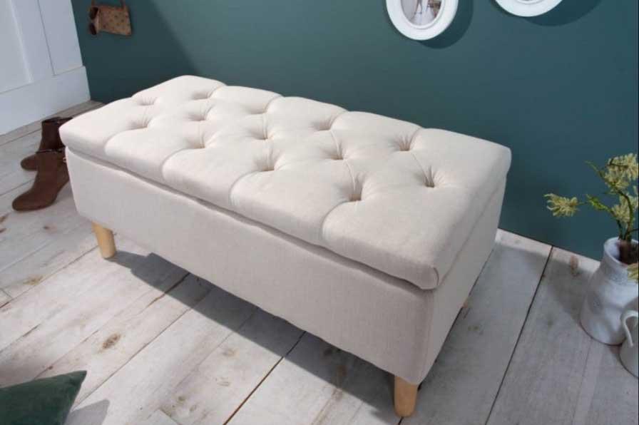 So štýlovou béžovou lavicou vo francúzskom štýle bude vaša obývacia izba výnimočná. Zdroj: iKuchyne.sk