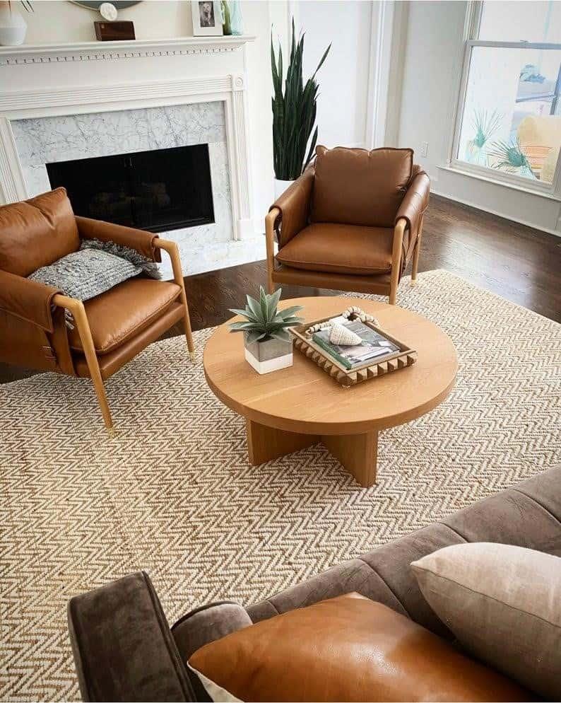 Dajte si záležať na rozložení nábytku v obývačke. Zdroj: Etsy.com