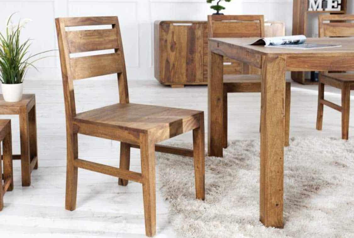 Kompletná konštrukcia z dreva dodáva stoličke ešte osobitejší štýl. Zdroj: iKuchyne.sk