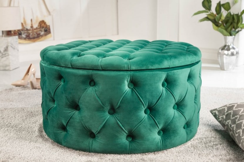 """Smaragdovo-zelený taburet prinesie želaný farebný ,,efekt"""". Zdroj: iKuchyne.sk"""