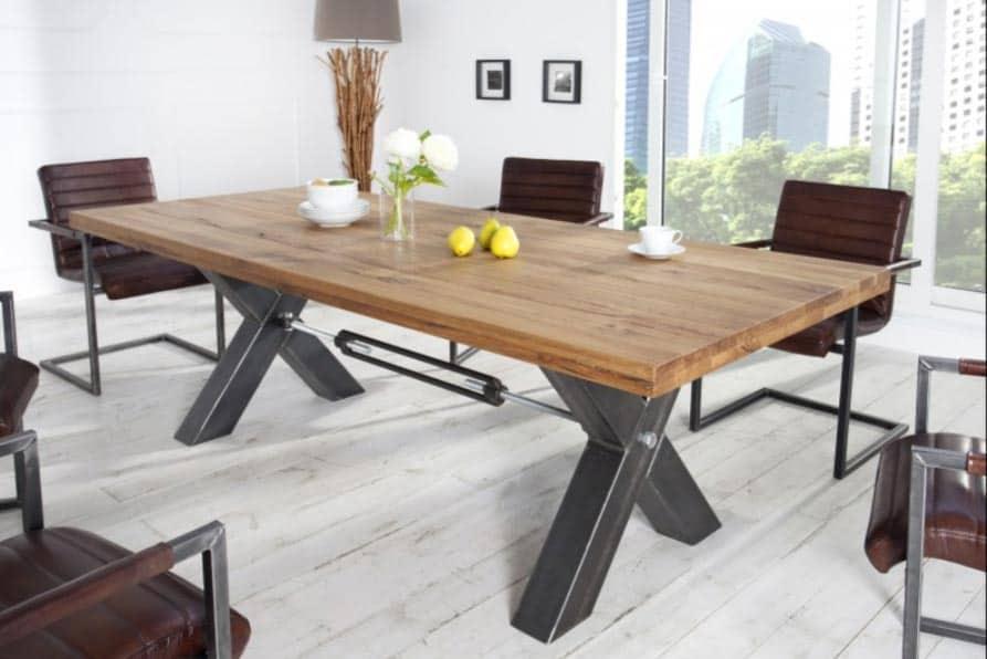 Drevený stôl z masívu pomenovaný Thor po mytologickom bohovi blesku v rozmeroch 200 x 100 cm. Zdroj: iKuchyne.sk