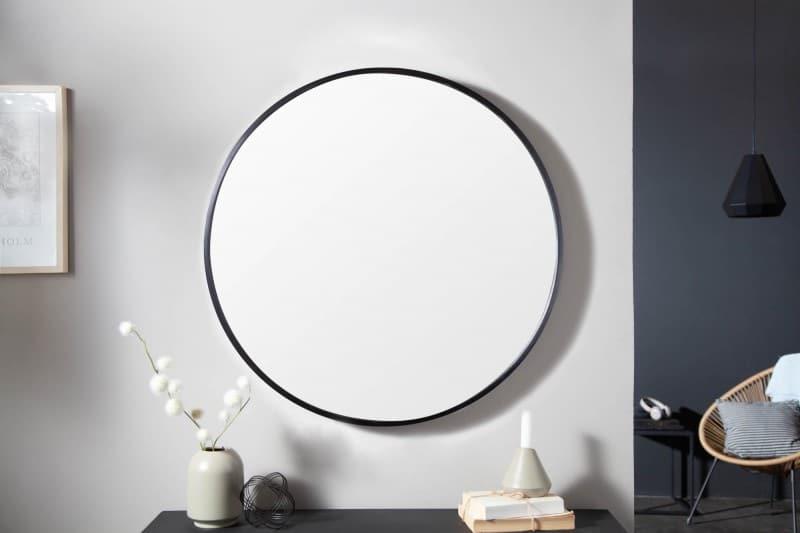 Ak premýšľate, aké vhodné bytové doplnky zvoliť, určite by to malo byť zrkadlo. Zdroj: iKuchyne.sk