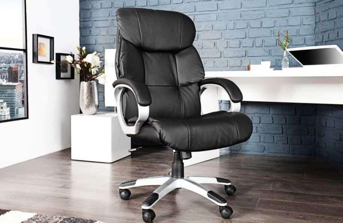 Typ kancelárskej stoličky, ktorá vám umožní oddýchnuť si popri práci. Zdroj: iKuchyne.sk