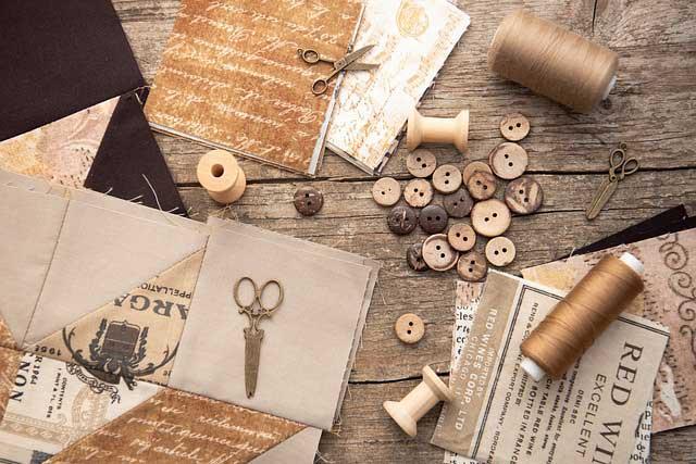 Základná výbava pre skvelú patchwork techniku. Zdroj: Pixabay.com