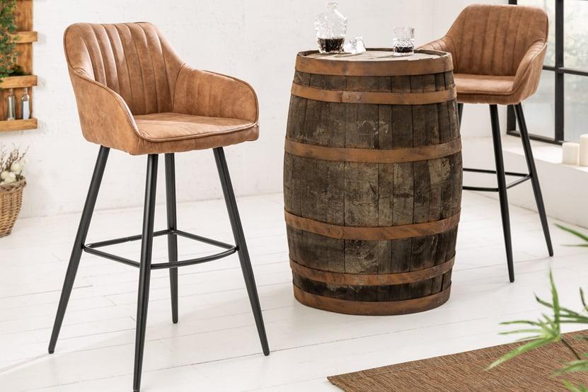 Hnedá barová stolička Turin zabezpečí pohodlné sedenie v kuchyni. Zdroj: iKuchyne.sk