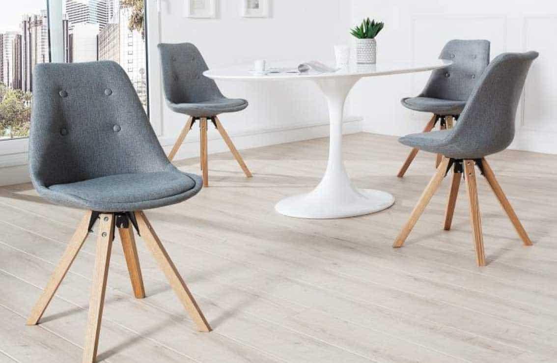 Jemný detail v podobe štyroch gombíkov príjemne dotvára celkový vzhľad stoličky. Zdroj: iKuchyne.sk