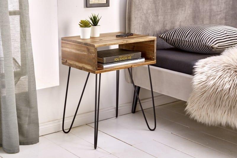Praktické a predsa dizajnovo krásne nočné stolíky sa pri práci z domu určite zídu. Teda z postele... :) Zdroj: iKuchyne.sk