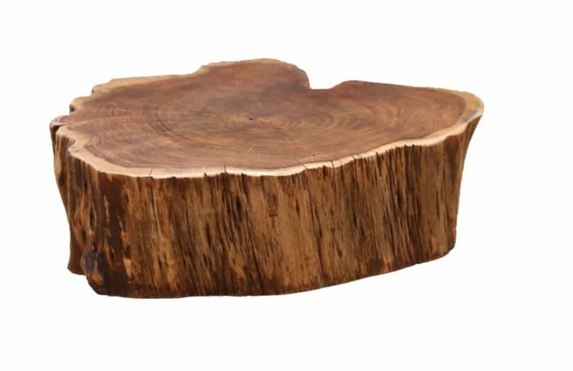 Drevené konferenčné stolíky budú v móde navždy. No nie je ten nábytok na kolieskach krásny? Zdroj: iKuchyne.sk