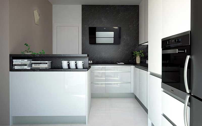 V čierno-bielej kuchyni s ostrovčekom nemusíte utierať prach z horných políc. Zdroj: iKuchyne.sk